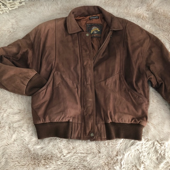 d6d3fd646 Vintage thinsulate brown leather bomber jacket